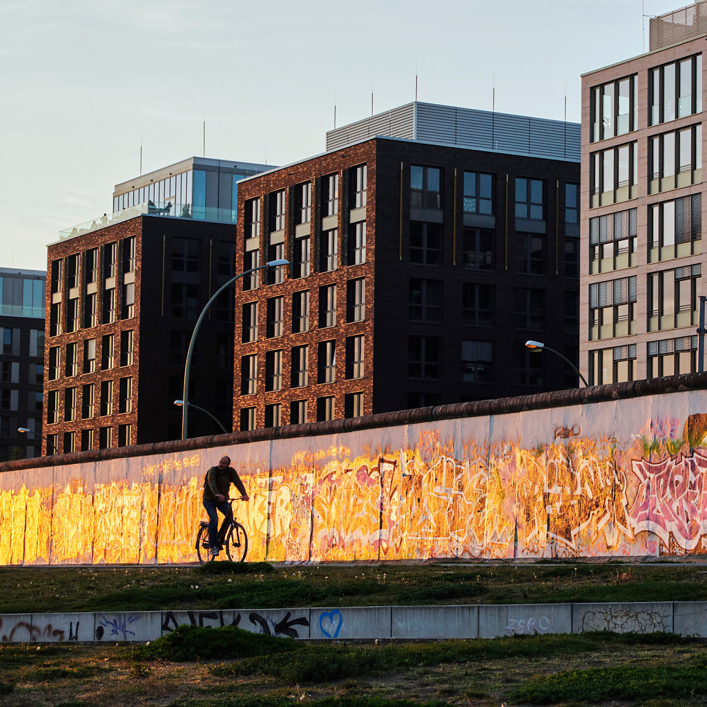 berlin-east-side-gallery-friedrichshain-1.jpg
